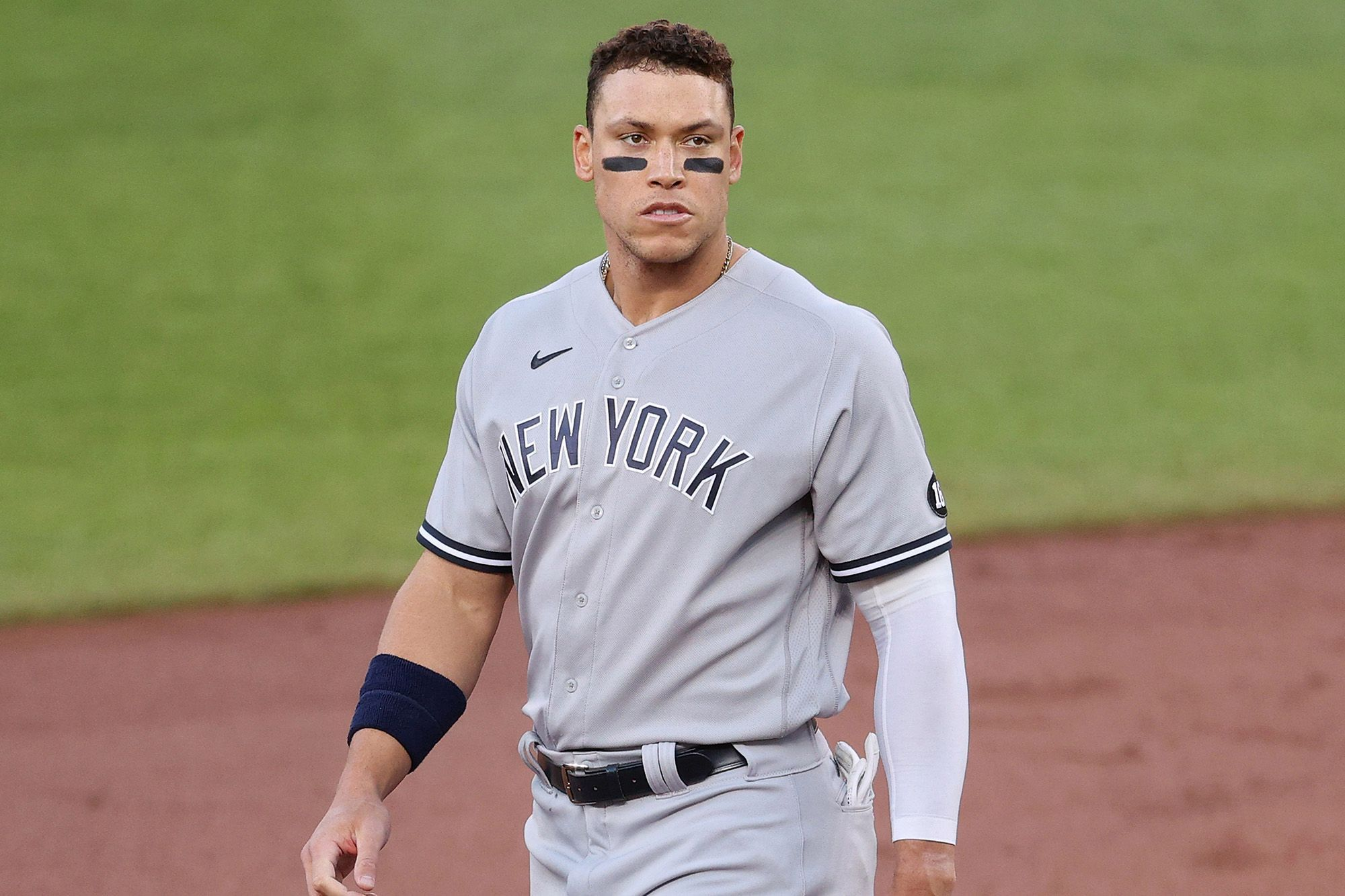 Yankees RF Aaron Judge placed on 10 Day IL after breaking right knee