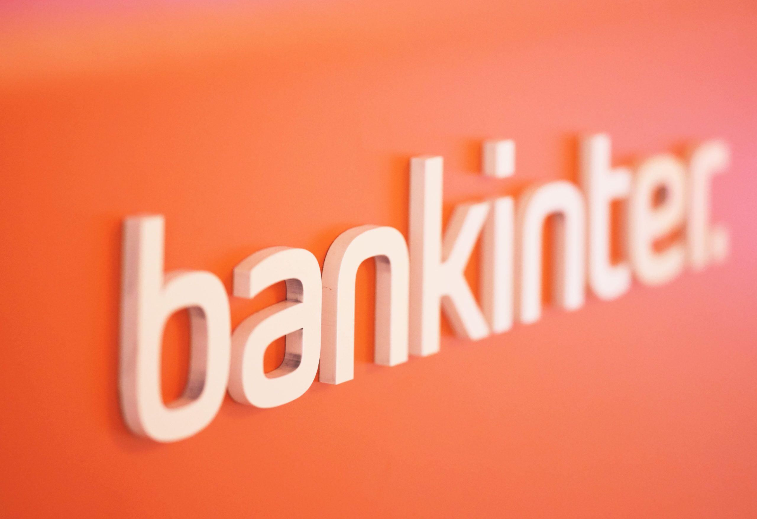 Caixabank, Bankinter y EVO  ven peligrar sus fondos de inversión