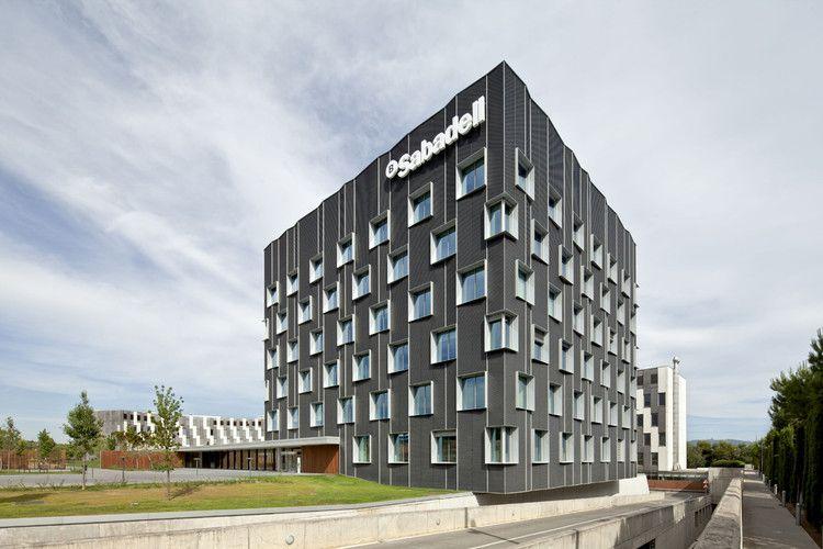 Banc Sabadell se responsabiliza frente al COVID