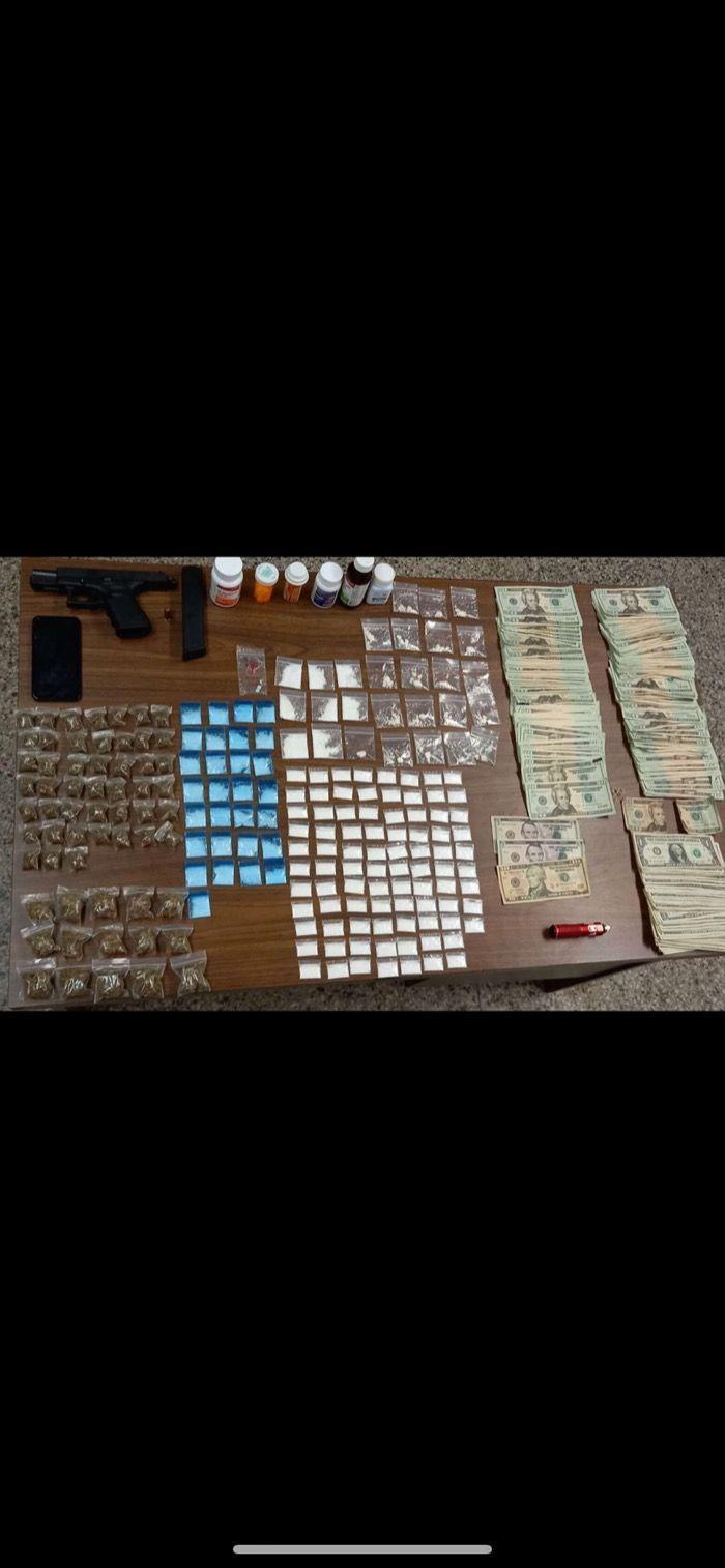 Arrestan dueño de varios puntos de droga del area oeste